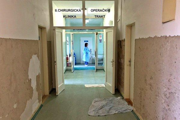 Vstup na operačky.