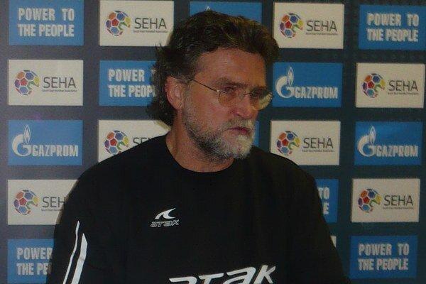 Rastislav Trtík. Tréner prešovských hádzanárov má na dva zápasy rozličné pohľady.