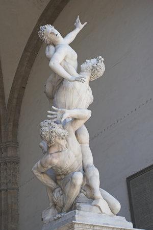 Únos bol populárnou témou sochárov v renesancii.