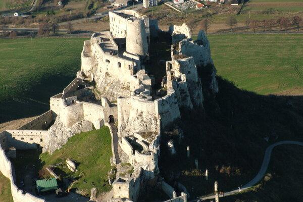 Letecký pohľad na Spišský hrad.