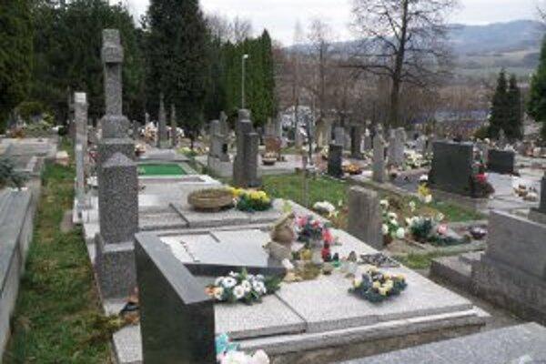 Kapacita prievidzského cintorína už nestačí.