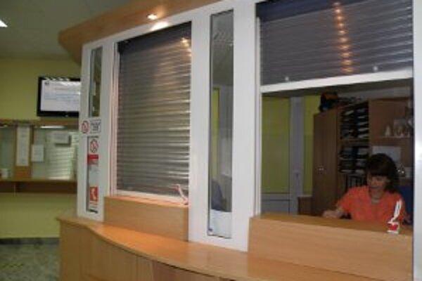 Mestský úrad v Prievidzi je aj v lete prístupný pre obyvateľov.