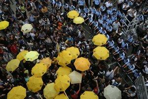 Pro-demokrati po roku opäť v uliciach Admiralty.