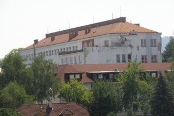 Mesto nevylúčilo, že proces rušenia školy na Mariánskej môže pokračovať.
