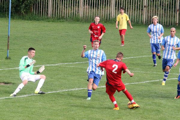 Zverenci Norberta Keszelyho (v bielo-modrých dresoch) začali sezónu víťazstvom.