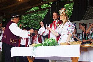 Domáca Javorina zaujala pásmom z tradičnej svadby.