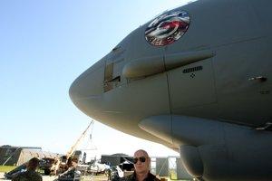 Americký bombardér B-52, ktorý má byť jednou z najväčších atrakcií leteckých dní, je už na Sliači.