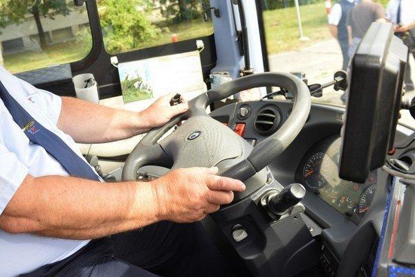 Zamestnanci požadovali rast mesačnej mzdy všetkých zamestnancov o 40 eur a tarifných miezd vodičov a vodičov v zálohe o 6,6 percent.