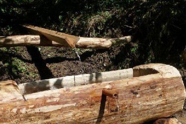Obnovený prameň nájdu smädní turisti neďaleko známej útulne Andrejcová vŽdiarskom sedle.