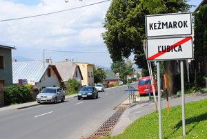 Spor medzi mestom a obcou trvá prakticky od osamostatnenia sa Ľubice.