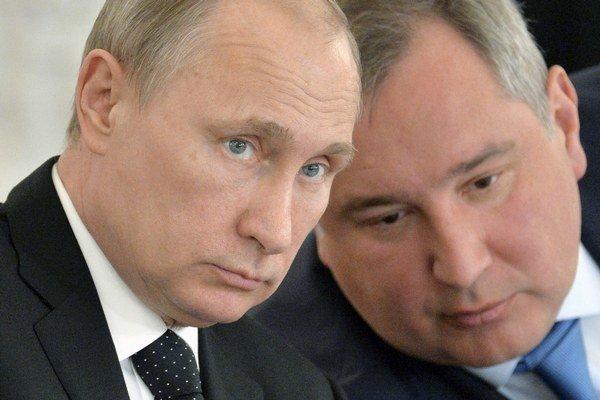 Vladimir Putin (vľavo), Dmitrij Rogozin (vpravo).