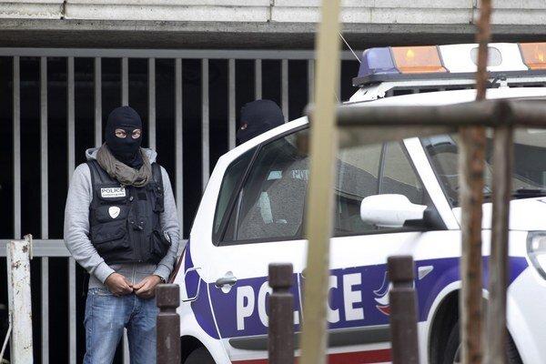 Hovorkyňa polície Kapitolu uviedla, že príslušníci si všimli vozidlo zaparkované na ulici v parku National Mall.