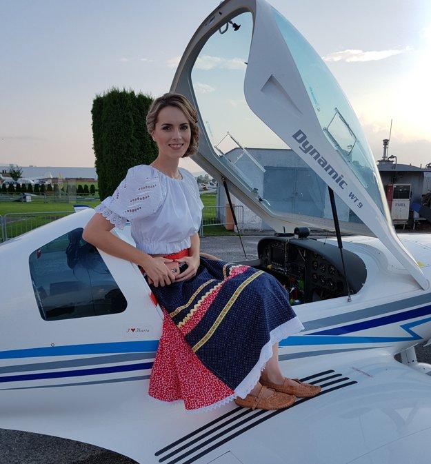 Vlasta Mudríková vPrievidzi pred letom v lietadle Dynamic WT9.