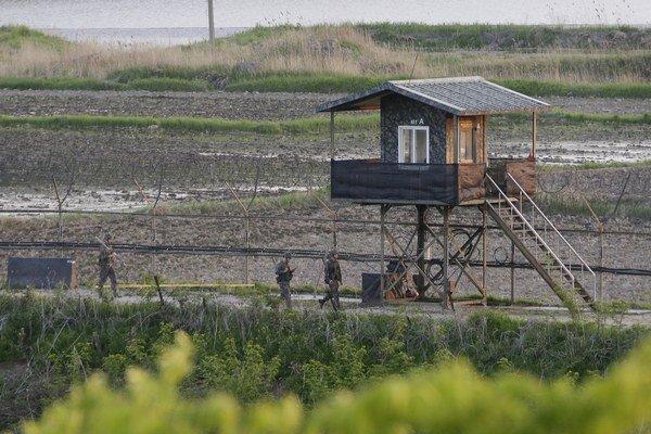 Aktivistky plánujú pešo prekročiť demilitarizovanú zónu medzi Severnou a Južnou Kóreou.