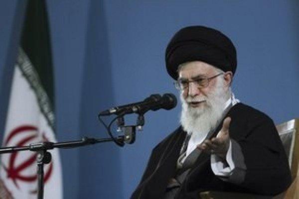 Iránsky ajatolláh Alí Chameneí.