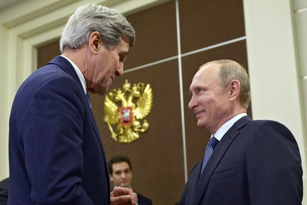 John Kerry sa stretol s Vladimirom Putinom.
