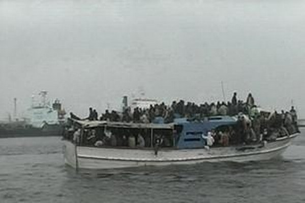 Upravená loď MOAS bude počas plavby v Stredozemnom mori vysielať drony vybavené kamerami, aby pátrali po lodiach prepravujúcich ilegálnych imigrantov.