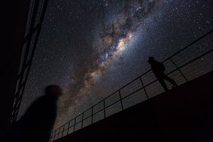 Mliečna cesta z observatória Európskej vesmírnej agentúry ESA v čílskej púšti.