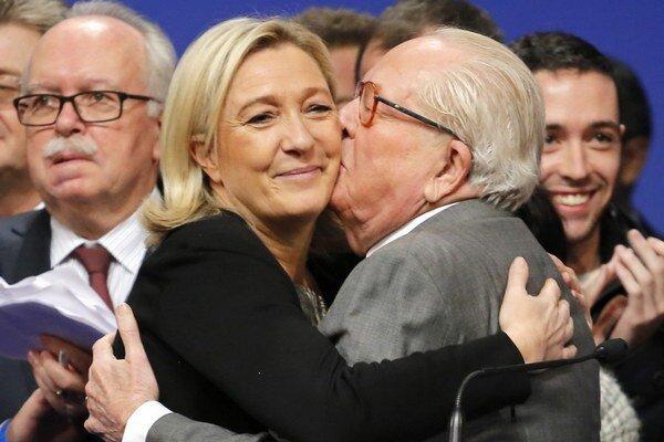 Proti antisemitským výrokom Jeana–Marieho Le Pena sa postavila aj jeho dcéra.