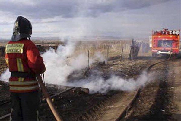 Lesné požiare v Rusku často vznikajú, keď miestni vypaľujú trávu na poliach.