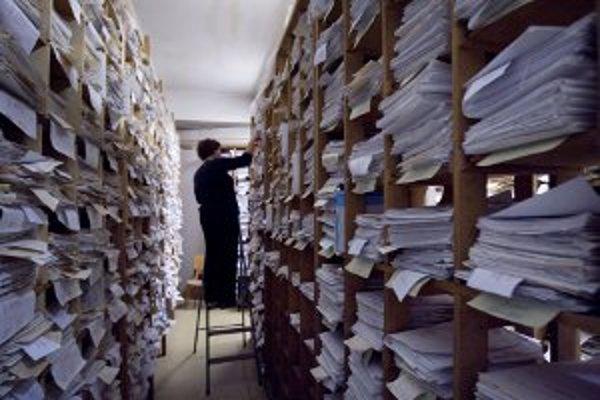 Organizácie musia písomnosti správne uchovávať a archivovať.