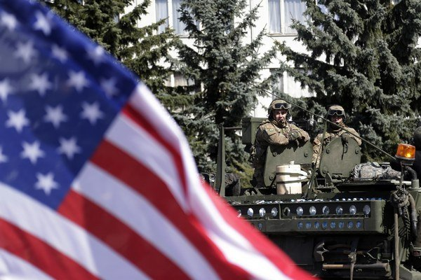 Česi prevažne Američanov vítali.