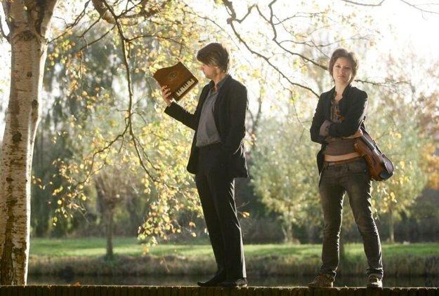 Recitál britského huslistu Daniela Rowlanda a ukrajinskej klaviristky Nataše Kudritske oživí duch Paríža minulého storočia.
