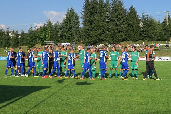 Nováčik z Oravskej Poruby (v zelenom) privítal doma Lokomotívu Košice.