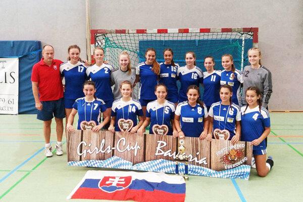 Mladšie dorastenky HK Slovan Duslo Šaľa boli na turnaji v Nemecku blízko k celkovému víťazstvu.