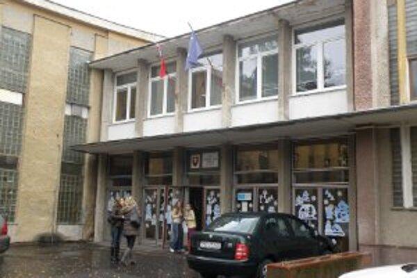 Zatvorenie hrozí v Prievidzi aj III. ZŠ na Ulici S. Chalupku.