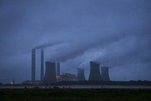 Obama nariadil zníženie emisie skleníkových plynov.