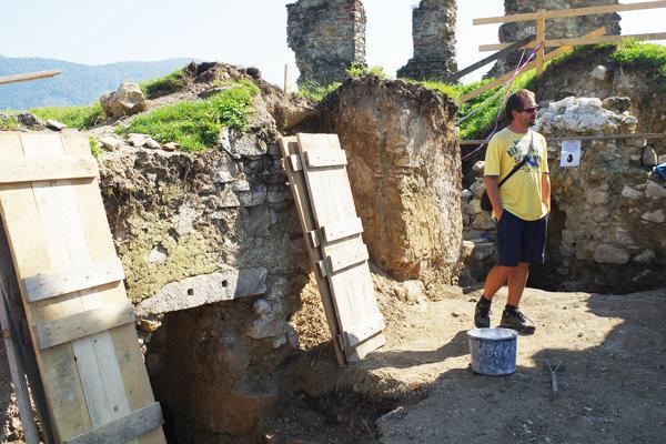 Hrad skrýva podľa archeológa stále veľa prekvapení.