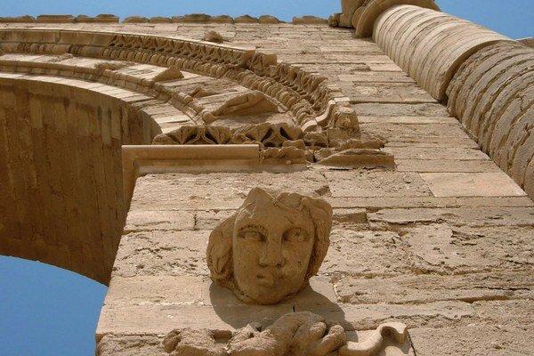 Militanti sa v súčasnosti zamerali na mimoriadne dobre zachované opevnené mesto Hatra.