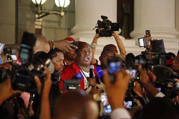 Špiónom mal byť aj opozičný líder Julius Malema.