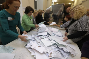 Sčítavanie voličských hlasov v Petrohrade.