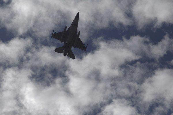 Sýrska armáda označuje nálety spojencov za nezákonné.