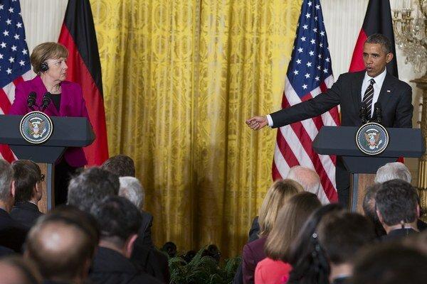 Barack Obama na spoločnej tlačovej konferencii s nemeckou kancelárkou Angelou Merkelovou.