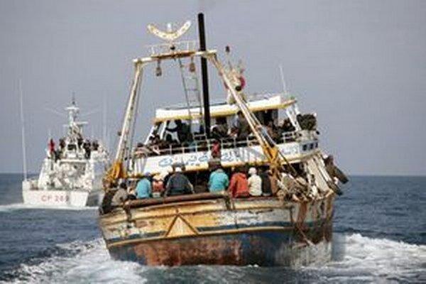 Loď prevážajúca vyše sedemdesiat ľudí sa potopila blízko ostrova Kutubdia.