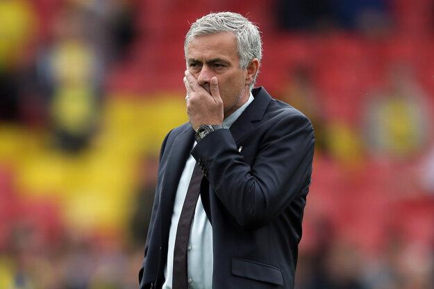 Jose Mourinho musel čeliť kritike verejnosti.