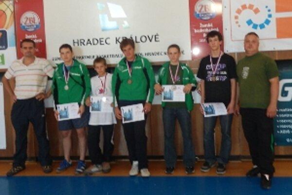 V konkurencii 82 zápasníkov z 12 klubov z Česka, Poľska a Slovenska si Prievidžania počínali úspešne.