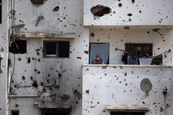 Ilustračná fotografia - rozstrieľaný dom v Gaze po konflikte.