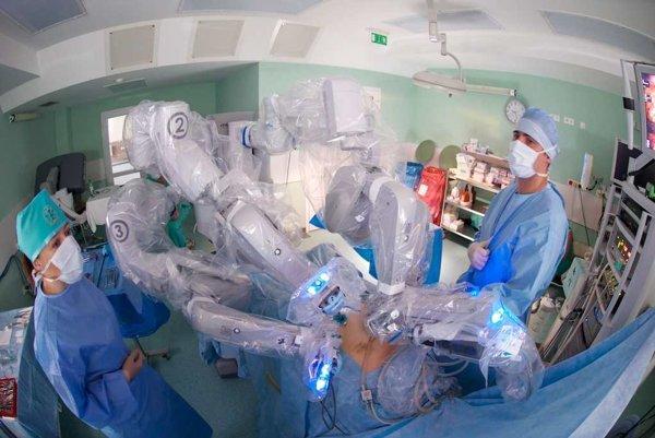 Robotická operácia.