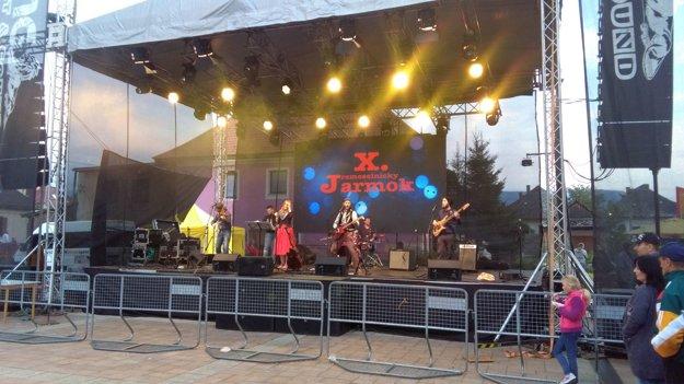 Vystúpenie skupiny Hrdza.