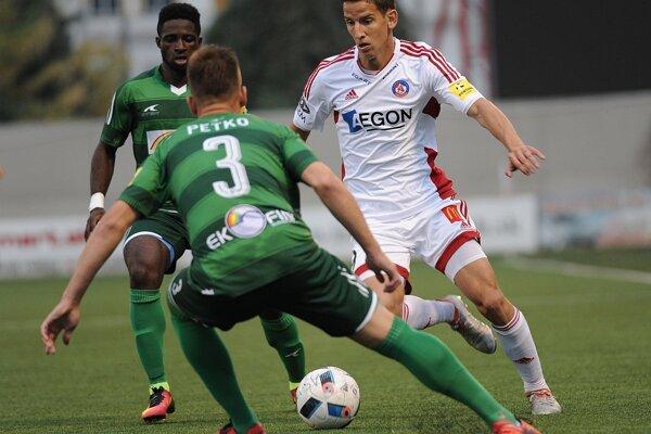Jakub Paur z AS Trenčín a Miroslav Petko z 1. FC Tatran Prešov.