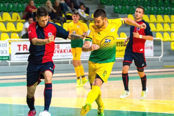 Futsalisti vdomácom prostredí jednoznačne predčili svojho súpera zNových Zámkov auštedrili im debakel.
