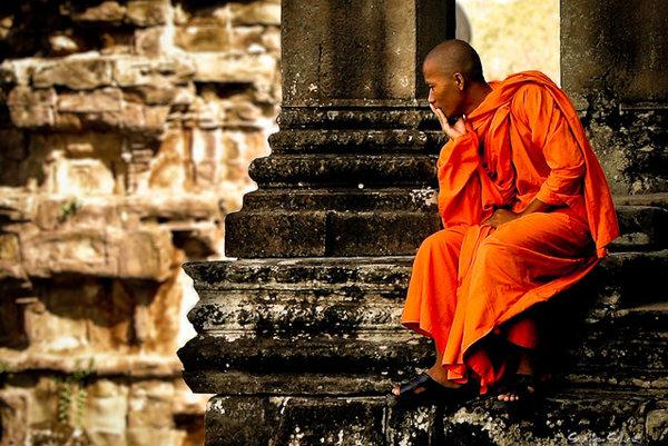 V kambodžskom Angkor Wat si nerobte selfie s mníchom.