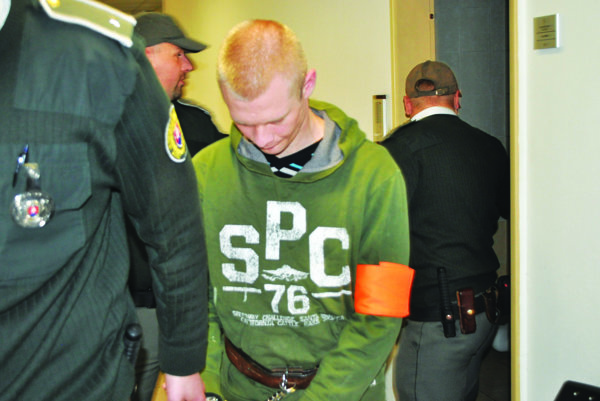 Obvinený sa k vražde priznal.