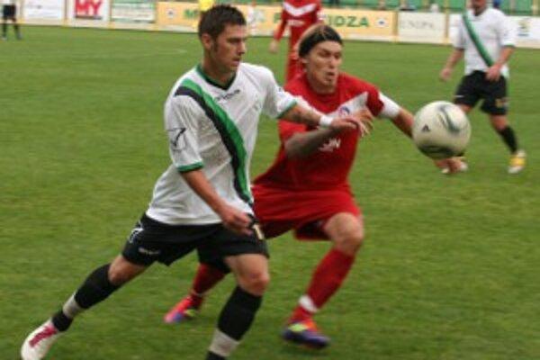 Jediný gól stretnutia padol v 29. minúte z kopačky Trenčana Radovanoviča.