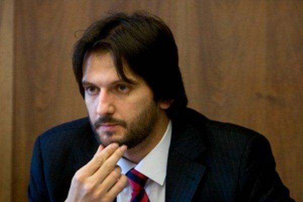 Minister Kaliňák opozícii odkázal, že jeho návrh je vernou kópiou iniciatívy, s ktorou pred piatimi rokmi prišla vtedy vládnuca pravica.