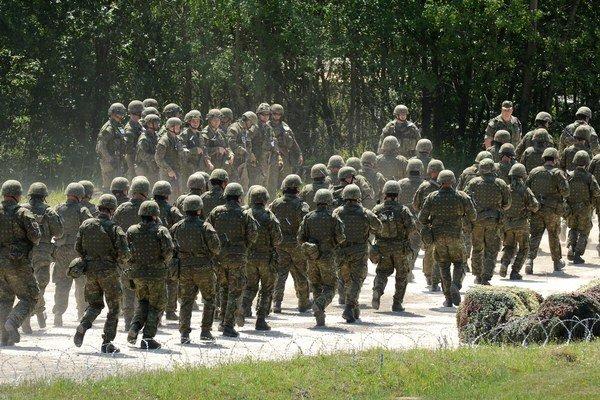 Vojaci a policajti si precvičia hliadkovanie, zachytávanie utečencov na štátnej hranici či riešenie konfliktov.